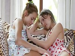 Two russian chicks givingblowjob pussies